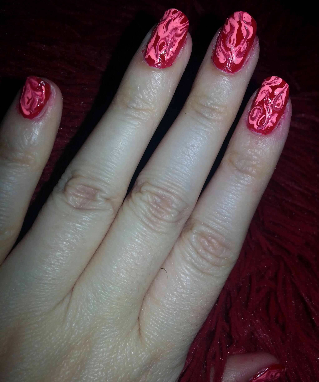 NOTD – My version of swirly nails