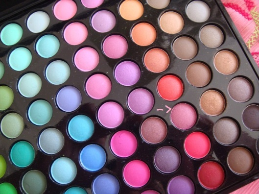 BH-Cosmetics-88-Color-Matte-Eyeshadow-Palette-12